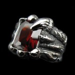 Dragon Hand Ring with Austria Red Crystal - TR123